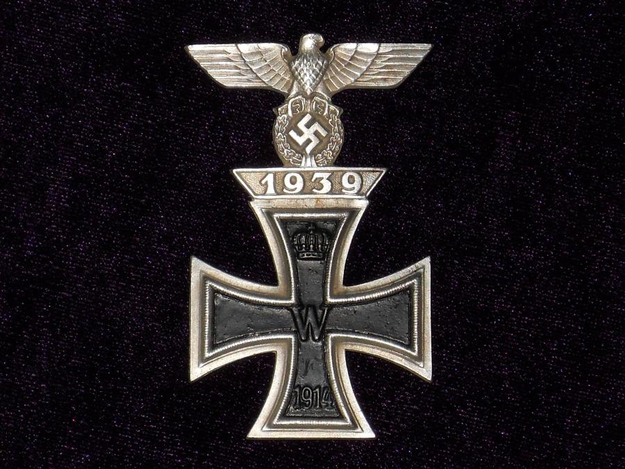 Продам немецкий крест чистка 10 рублевых монет